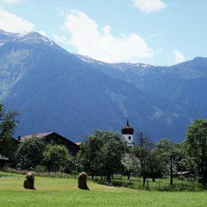 Blick vom Zimmer auf die Georgskirche, Pension Sonnenhof, Familie Post, Mieming, Fotos: Sonnenhof, Mieming